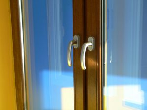 Holzfenster oder Kunststofffenster